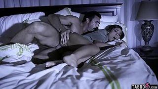Спящую Ночью Трахнули Смотреть Порно